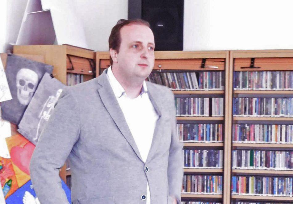 Ondřej Slanina v knihovně