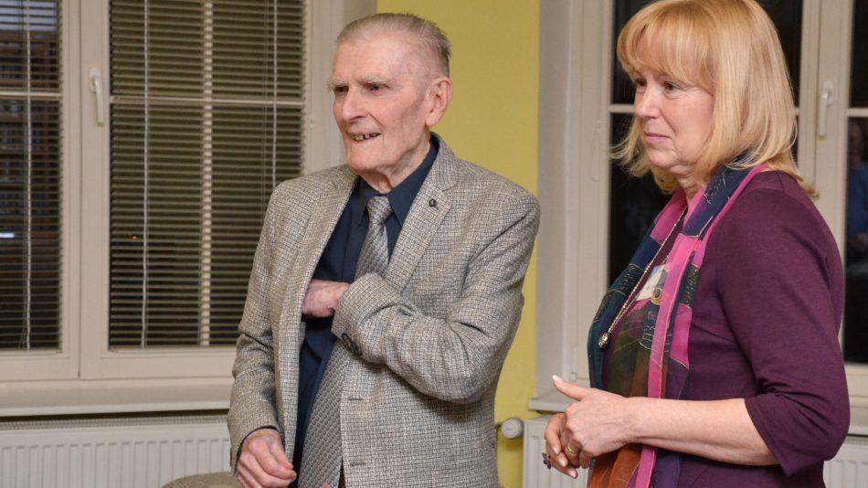 Robert Kvaček s Janou Benešovou v jičínské knihovně