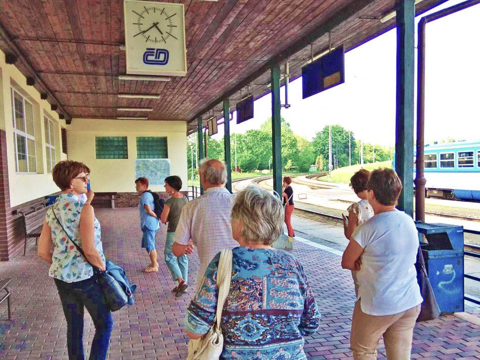 Na vlakovém nádraží v Jičíně